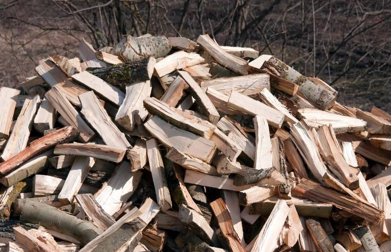 Stos drewna na opał