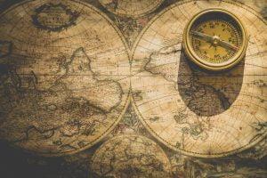 Stara mapa z kompasem - busolą